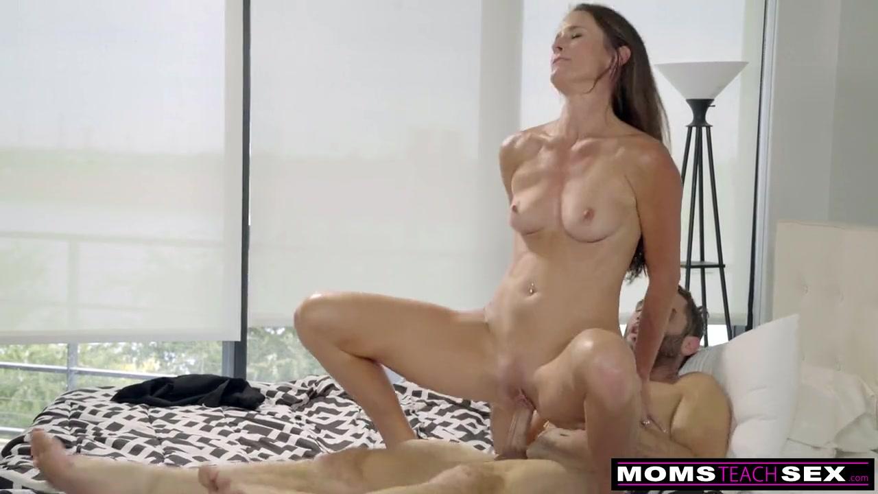 Moms Having Lesbian Sex